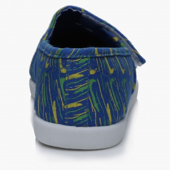 #tag18. Printed Shoes with Hook and Loop Closure