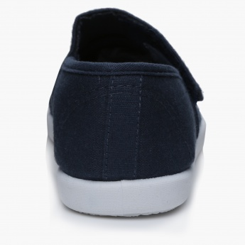 #tag18. Slip-On Shoes